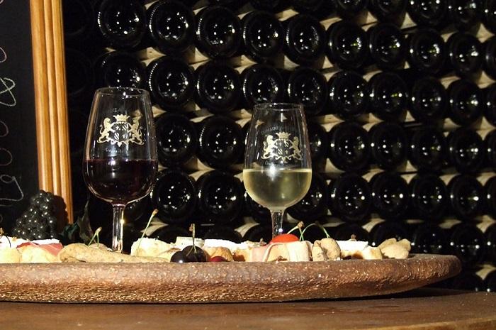 Le Clos du Roi, restauration rapide et terroir à Coulanges la Vineuse