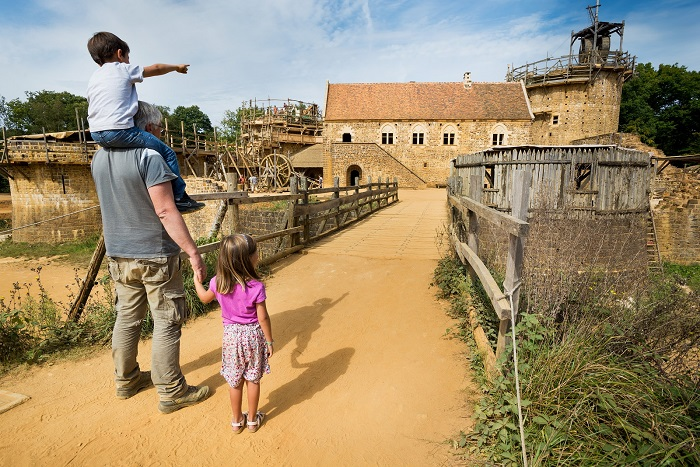 Guedelon in burgundy for family